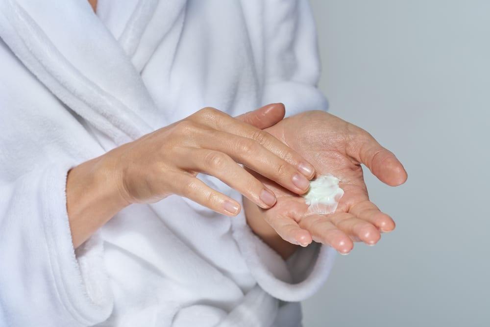 moisturiser healthy lifestyle